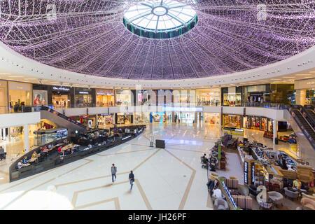 Vue de l'intérieur de la Marina Mall, Dubai, Émirats arabes unis, Moyen Orient Banque D'Images