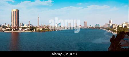 Panorama du Caire et du Nil au lever du jour Banque D'Images