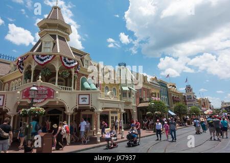 Plaza glacier sur la rue Main à Magic Kingdom, Walt Disney World, Orlando, Floride. Banque D'Images