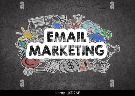 Concept de marketing par courriel. Grunge mur noir et blanc. Banque D'Images