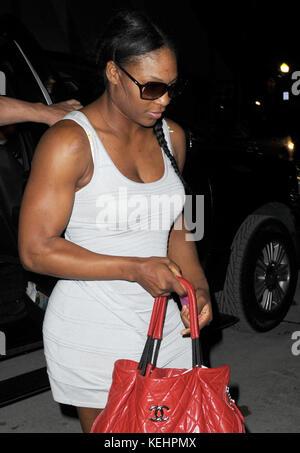Miami Beach, FL - 13 mai: grand tennis Serena Williams va à un dîner dans un restaurant 4 étoiles le port de chaussures Banque D'Images