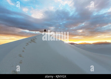 Tente dans dunes blanches, usa Banque D'Images