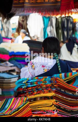 Marché d'Otavalo, Equateur Amérique du Sud Banque D'Images