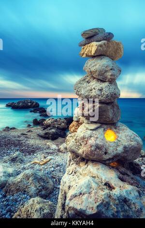 L'équilibre et le bien-être des pierres spa concept rétro d'inspiration zen-comme Banque D'Images
