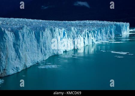 Face à la borne, glacier Perito Moreno et du lac Argentino, Parque Nacional Los Glaciares (zone du patrimoine mondial), Banque D'Images