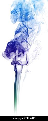 La fumée de couleur sur fond blanc l'art abstrait de la texture du brouillard. Banque D'Images