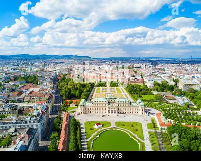 Le Palais du Belvédère panoramique vue aérienne. Le Palais du Belvédère est un bâtiment historique complexe à Vienne, Banque D'Images