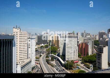 Vue aérienne de Sao Paulo ville, bâtiments de bureaux, bâtiments résidentiels et Sao Paulo salle du conseil municipal, Banque D'Images