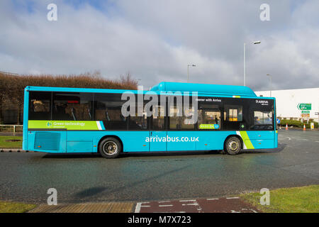 La région de la ville de Liverpool le premier bus de tourisme électrique. 12 nouveaux autobus électriques ont été Banque D'Images