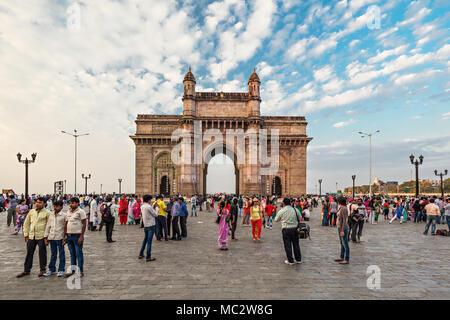 MUMBAI, INDE - Le 21 février: porte de l'Inde sur février 21, 2014 à Mumbai, Inde. Banque D'Images