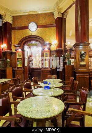 Cafe Tortoni, de l'intérieur, de l'Avenida de Mayo, Buenos Aires, Argentine Banque D'Images
