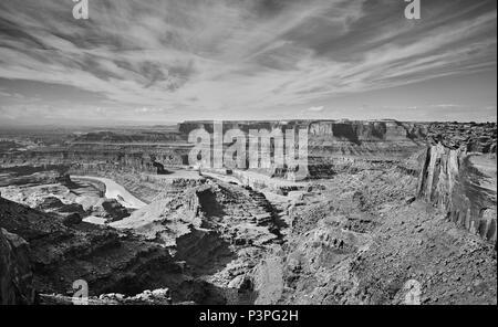 Colorado River et Canyonlands National Park vu de la Dead Horse Point State Park, Utah, USA. Banque D'Images