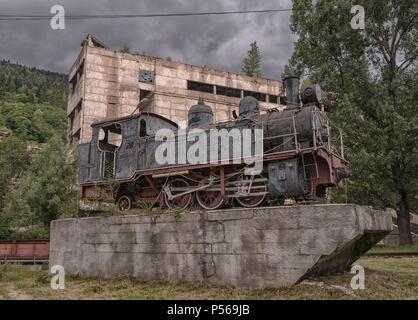 Old vintage Train Locomotive monument à la Géorgie Banque D'Images