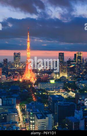 Japon, Tokyo, toits de Tokyo et Tour de Tokyo Banque D'Images