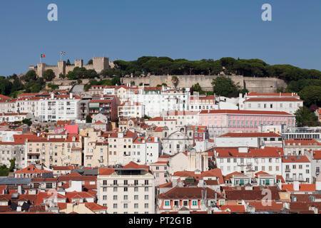 Vue sur la vieille ville au château Castelo de Sao Jorge, Lisbonne, Portugal Banque D'Images