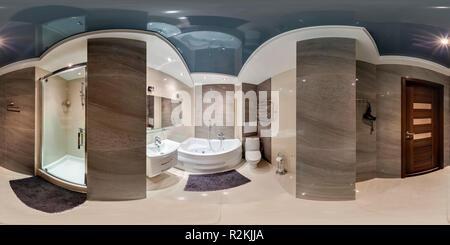 Minsk, Belarus - 12 NOVEMBRE 2012: le panorama 360° sphérique en image équirectangulaire projection équidistante, panorama de la salle de bains transparente en b Banque D'Images