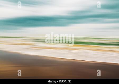 Paysage marin abstrait, journée ensoleillée sur la plage Banque D'Images