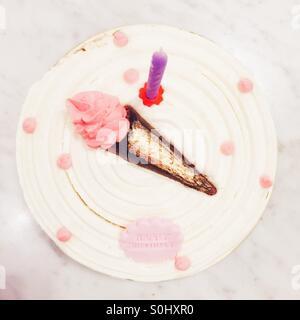 Gâteau d'anniversaire Banque D'Images