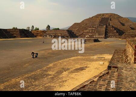 Pyramides de Teotihuacan, Cité préhispanique, Site du patrimoine mondial de l'UNESCO, le Mexique. Banque D'Images