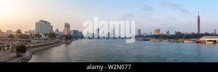 Panorama de la rivière du Nil, vue de la ville du Caire. Banque D'Images