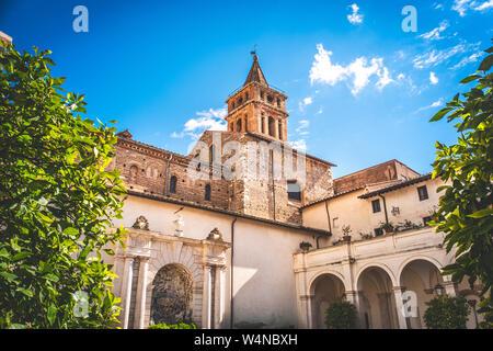 Église pittoresque en Italie - Cathédrale de Tivoli en Latium Banque D'Images