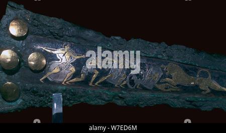 Détail de l'inlay sur un poignard en bronze mycénienne montrant une chasse aux lions, 16ème siècle. Artiste: Inconnu Banque D'Images