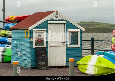 Bantry, West Cork, Irlande. 10 août, 2019. En raison de vents très élevés dans la région de West Cork Bantry aujourd'hui, la location de bateau a été fermé. Des vents de près de 50 km/h sont attendus le soir de l'Oti. Credit: Andy Gibson/Alamy Live News. Banque D'Images