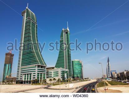 Tours jumelles des gratte-ciel du port financier de près de quartier diplomatique de la ville, cet établissement moderne et complexe de bureaux commerciaux shopping Banque D'Images