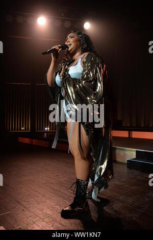 Miami Beach, FL, USA. Sep 11, 2019. Lizzo effectue pendant la Cuz I Love You tour au Fillmore le 11 septembre 2019 à Miami Beach, Floride. Credit: Mpi04/media/Alamy Punch Live News Banque D'Images