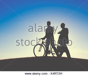 La liberté de discussion Businessmen Talking Outdoors Concept Banque D'Images