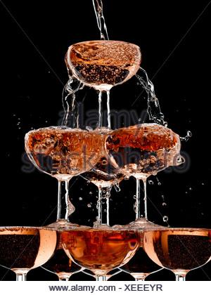 Abondance,fond noir ,bulle célébration,champagne,champagne,couleur,verre Banque D'Images
