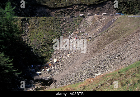 Fly-tipping, Nant-y-MOEL, Ogwr Fawr, Mid Glamorgan Banque D'Images