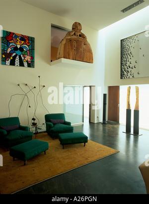 Vue d'un salon élégant avec une paire de fauteuil Banque D'Images