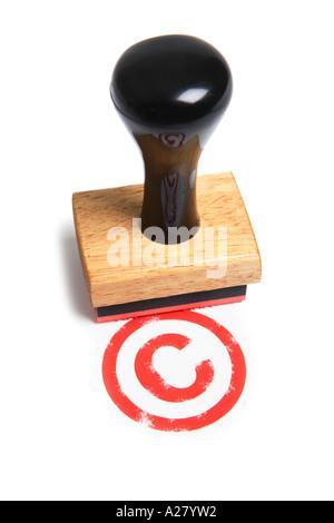 Symbole de copyright avec le cachet du timbre en caoutchouc.