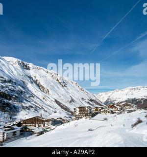 Vue depuis les pistes, Obergurgl (paroisse la plus élevée en Autriche), l'Otztal, Western, Tyrol, Autriche Banque D'Images