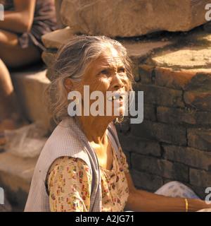Femme Âge 50+ la mendicité en Inde. Banque D'Images