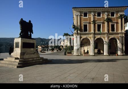 Piazza della Vittoria, Salo