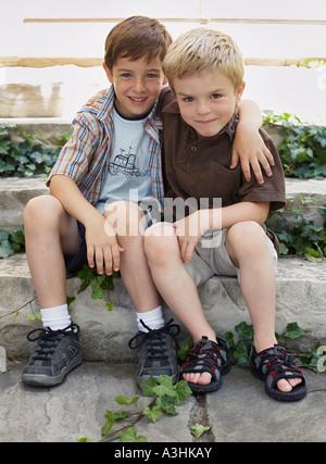 Portrait de deux garçons Banque D'Images