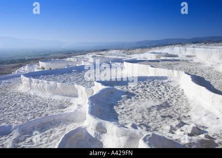 Piscines en travertin à sec la colline de Pamukkale Turquie Banque D'Images