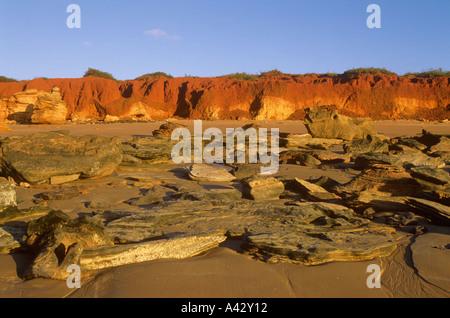 Pindan falaises, Gantheaume Point, la ville de Broome, Australie occidentale. Banque D'Images