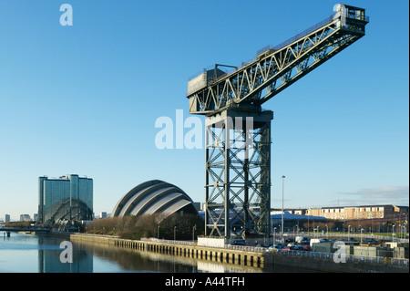 L'Finnieston Crane, le SECC et le Crowne Plaza Hotel à côté de la rivière Clyde, Glasgow, Ecosse Banque D'Images