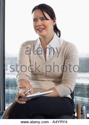 Femme était assise en réunion Banque D'Images