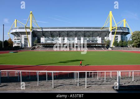 Westfalenstadion renommé parc Signal Iduna, Dortmund, Allemagne Banque D'Images