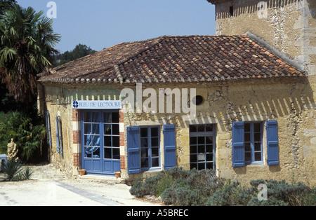 Bleu De Lectoure Gers France Peinture Pastel Naturelles Banque D