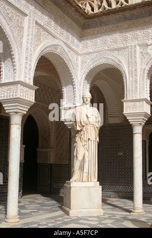 La Casa de Pilatos Patio Principal avec sculpture d'Athéna Séville Andalousie Espagne Espana Banque D'Images
