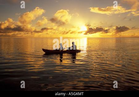 Kayak au coucher du soleil