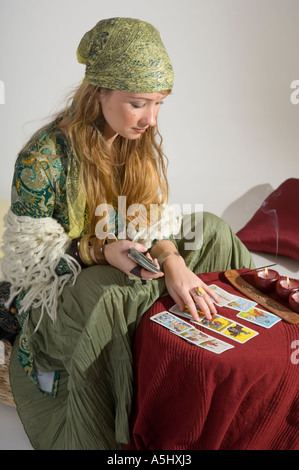 Fortune disant femme hors de la carte Banque D'Images