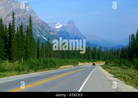 Déplacement horizontal dans les Montagnes Rocheuses du parc national Banff Canada
