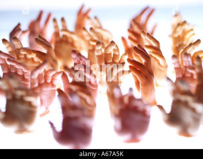Mains tendues Banque D'Images