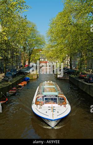 Croisière voile sur l'un des canaux d'Amsterdam Leliegracht Pays-bas Hollande eu Europe eye35.com Banque D'Images